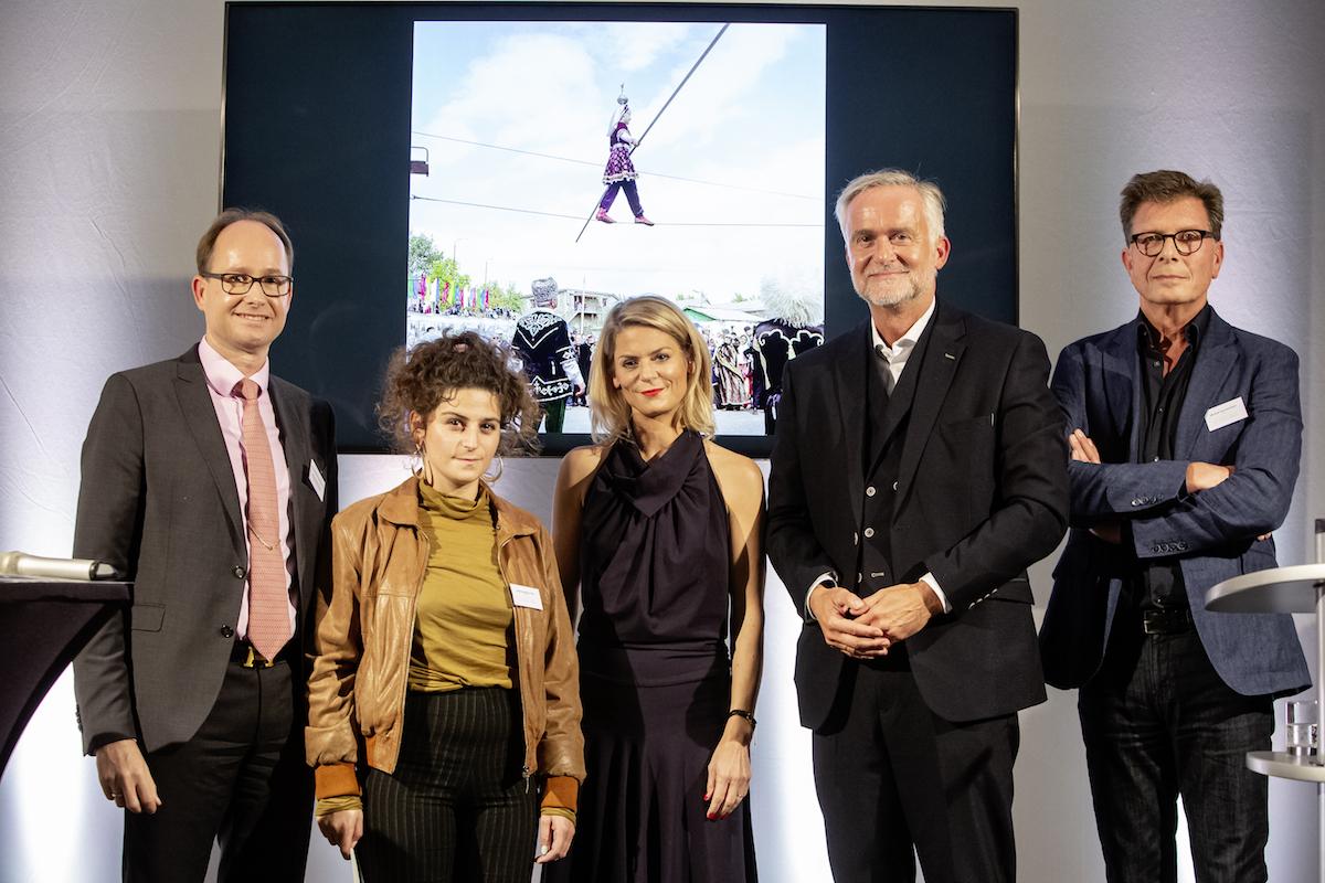 Johanna Maria Fritz gewinnt Deutschen Friedenspreis für Fotografie